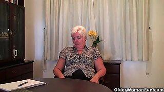 elastic butt granny Sandie opens up old vulva (compilation)