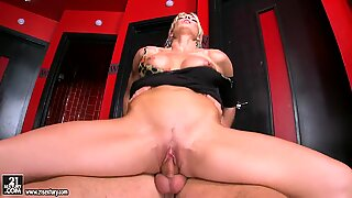 Rhylee Richards love sitting on a cock erection