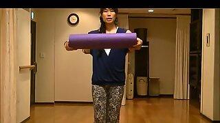 Yoga cameltoe Japanese mature