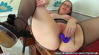 lean grannie Bossy Rider works her older pussy