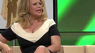 Barbara Schoeneberger Nice Cleavage And Legs