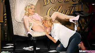 Blonde on Blonde Pussy Eating