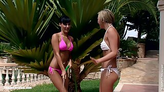 Carie and Natali play with water and have lesbian sex