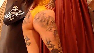 Hot Buttocks Dance Very Sensual