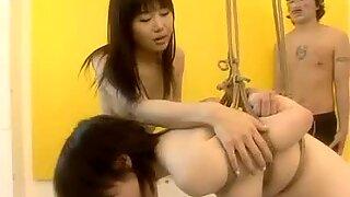 Swee Japanese bimbo pounded from behind