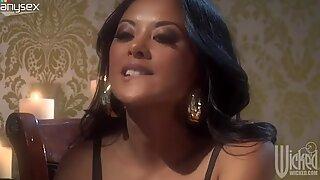Gorgeous slut Kaylani Lei sucks a fat dick under the dinner table