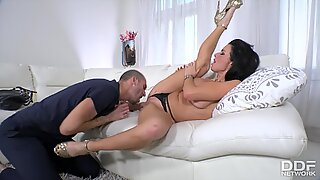veronica avluv gets her shaved pussy filled with big dick