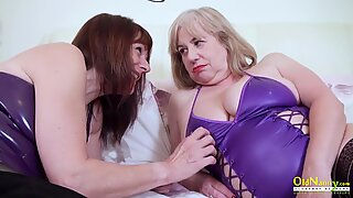 OldNannY British Matures Lesbian Tits and Pussy