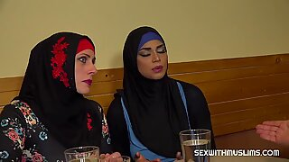 Muslim woman spread her legs for ID'_s