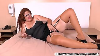Latina BBW milf Sandra takes matters into her own hands