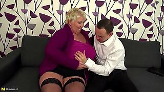 Mature BBW mom fucking lucky not her son