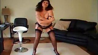 Gilli spreading legs in black pantyhose