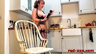 pounding Kitchen queen