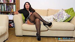 EuropeMaturE Hot British Mature Enjoy Office Fun