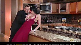 Gold Digger Eva Karera entices a junior man for his cash