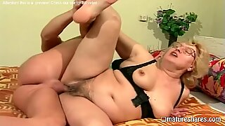 Fat Blonde Granny      s Hairy Pussy